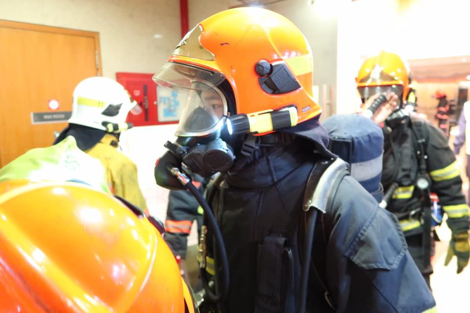 Breathing appartus worn by fire fighters