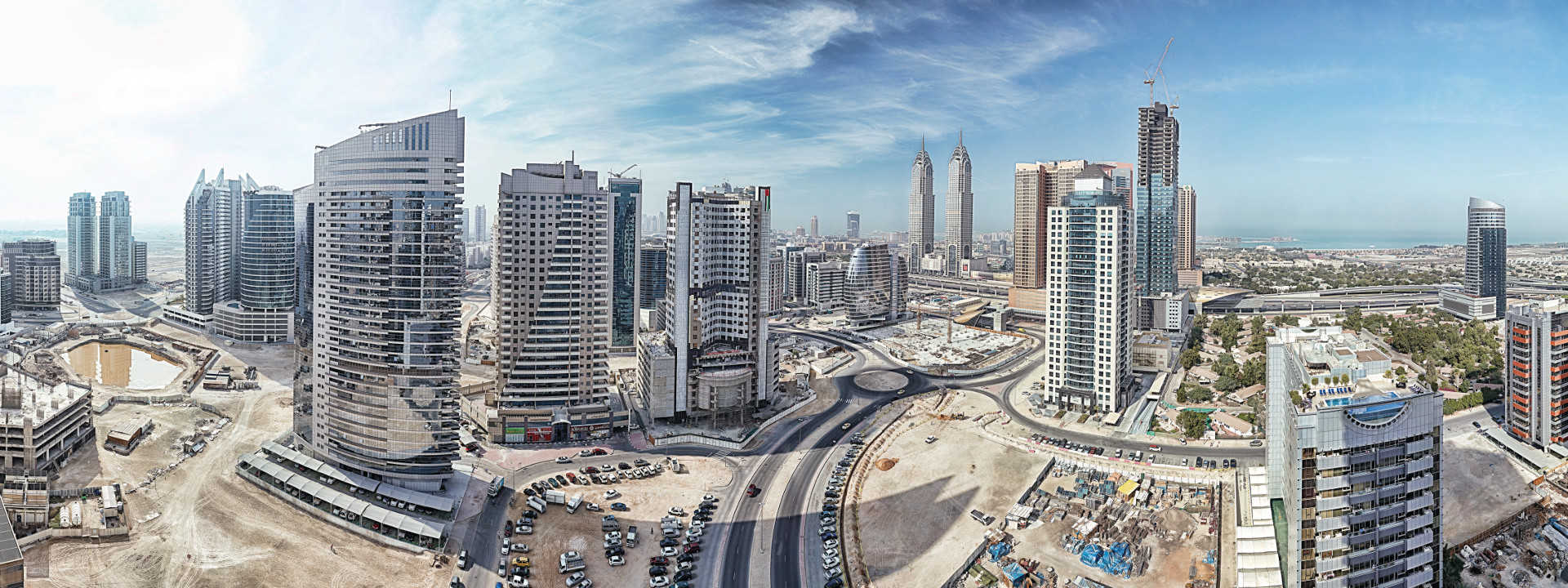 Transactions worth AED 77 billion was  made in Dubai's real estate sector in the first quarter of 2017.