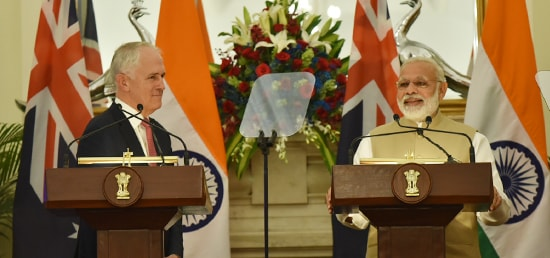 Indian PM Narendra Modi (R) with his Australian counterpart Malcolm Turnbull addressing the media at Hyderabad House