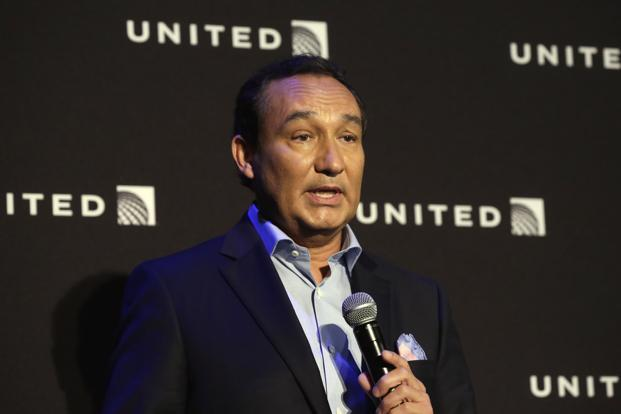 United Airlines CEO Oscar Munoz