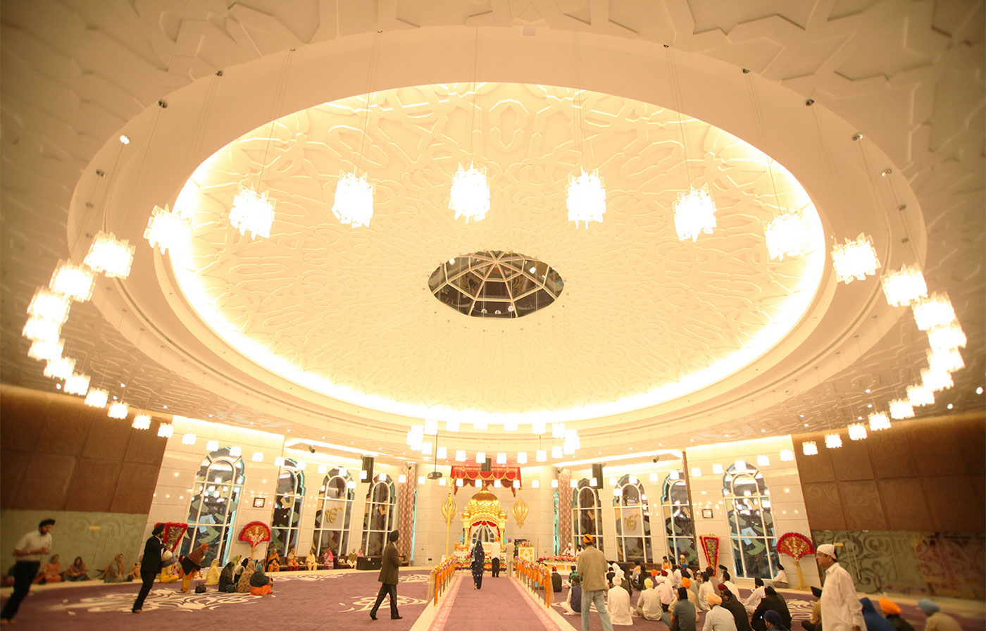 Interior architecture of Gurdwara Guru Nanak Darbar.