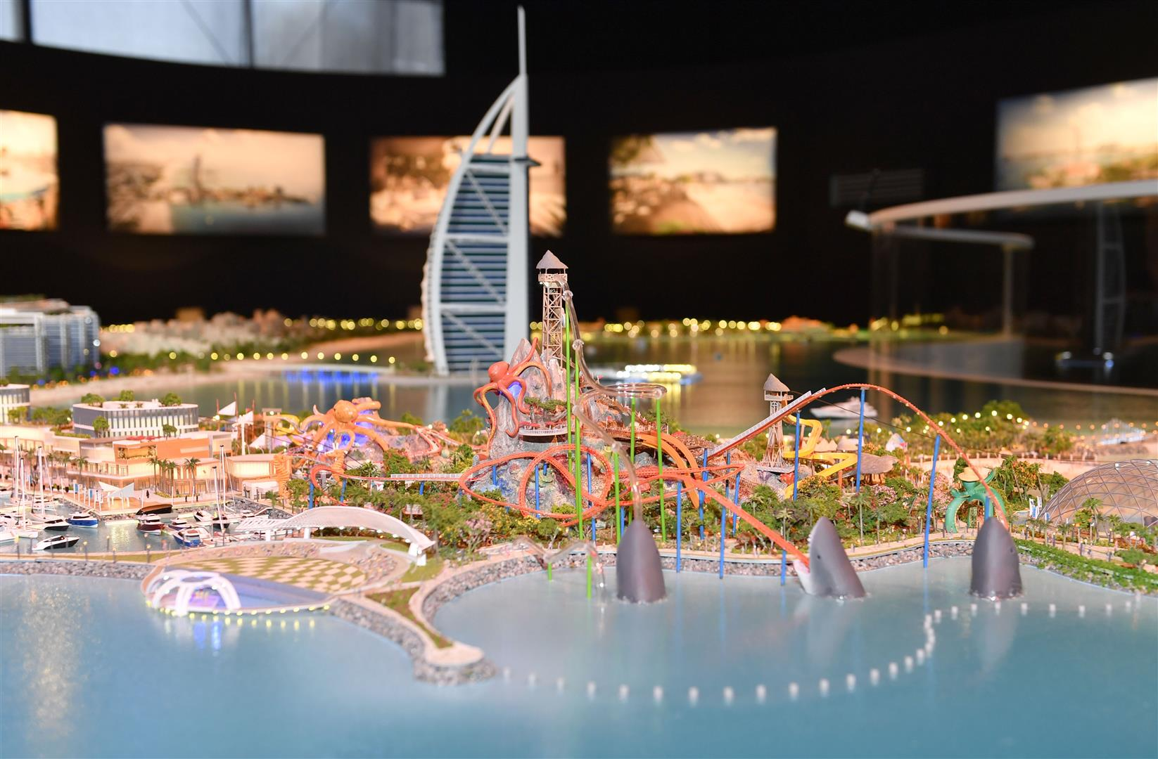 Each island will be built on either side of the Burj Al Arab.