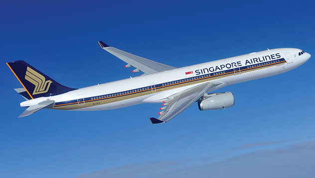 Singapore Air's Net Profit Drops 55 Percent