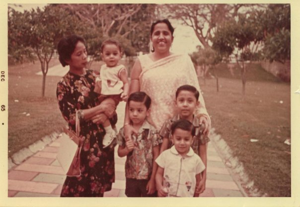 Haresh Sharma with his mother, 3 siblings, and nanny. Photo courtesy: Haresh Sharma FB