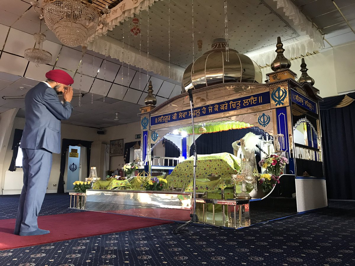 Tanmanjeet Singh Dhesi visited Slough Gurudwara and sought blessings on his victory. Photo courtesy: Twitter