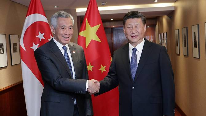 Prime Minister of Singapore Lee Hsien Loong meeting  Chinese President Xi Jinping in Hamburg ahead of the G-20 Leaders' Summit.