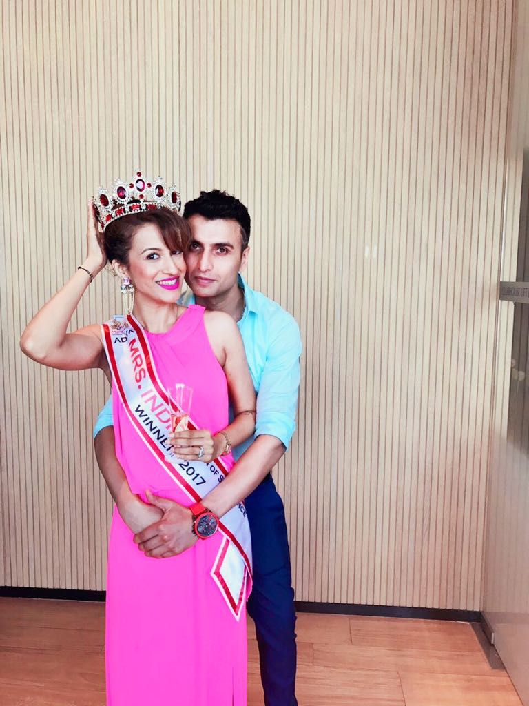 Bhavana Bahl Mahlota, winner of Mrs India 2017, with her husband Vineet Malhota. Photo courtesy: Bhavana Bahl Mahlota