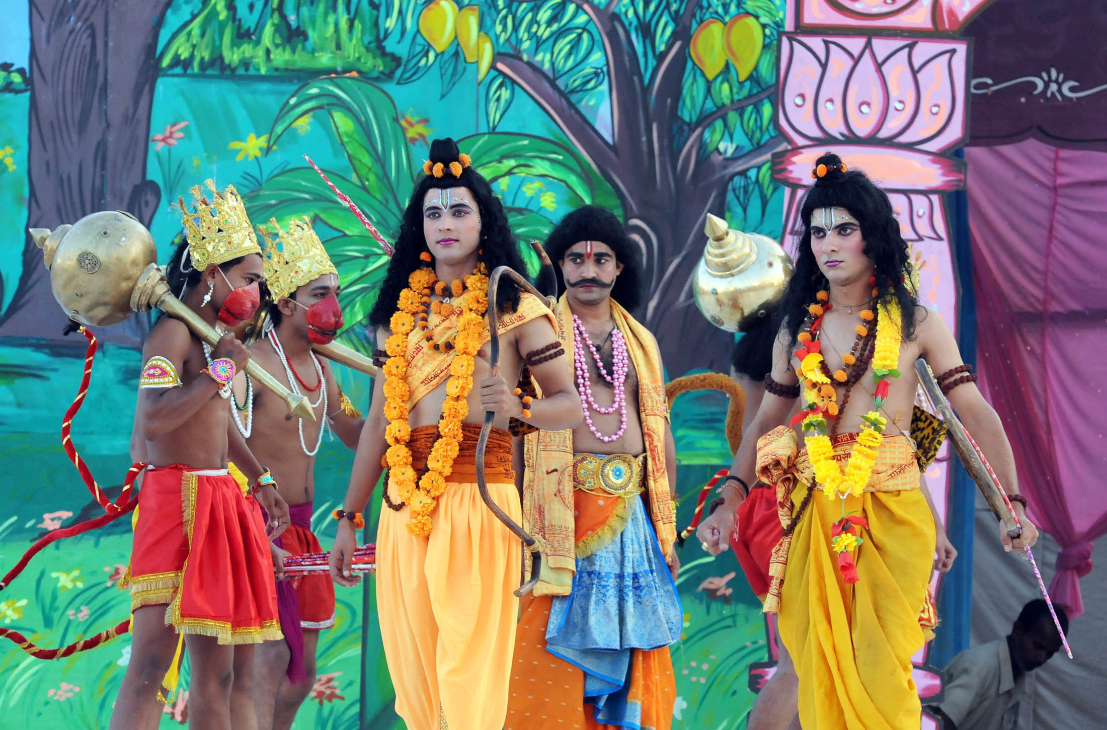There is also staging of Ram Lila or the dramatic depiction of episodes from the lives of Ram, Sita, and Lakshman during the Dussehra period.