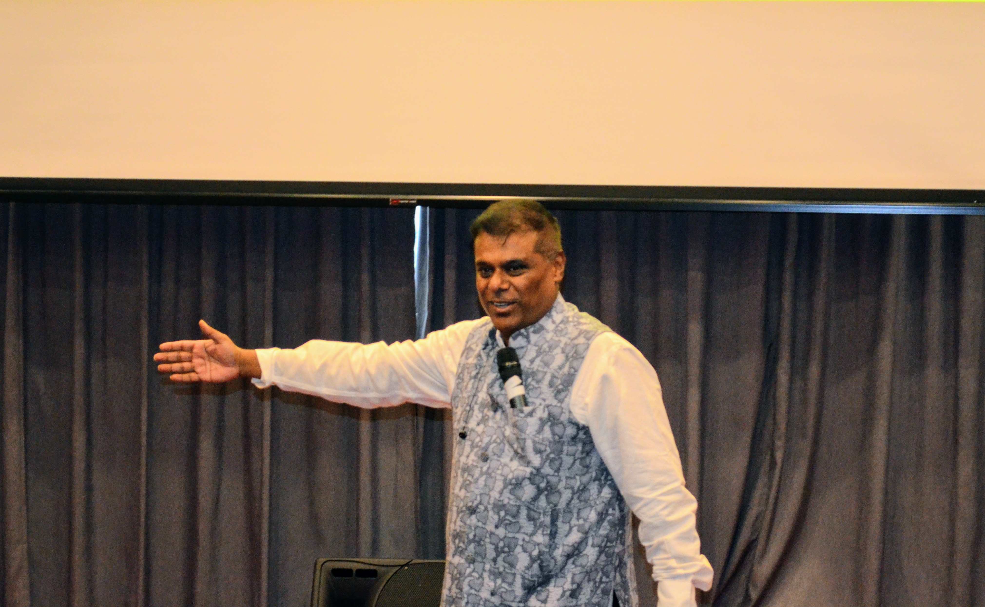 Ashish Vidyarthi engaging with audience and giving valuable acting tips during his Masterclass in Singapore Photo: Connected to India
