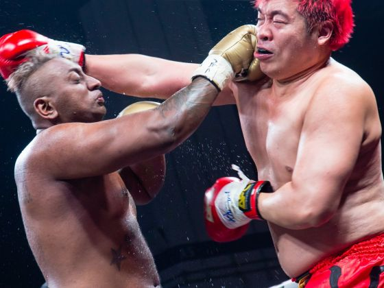 Pradip Subramanian (left) fighting with his opponent Steven Lim in the Muay Thai kick-boxing match at Marina Bay Sands after which the former died.