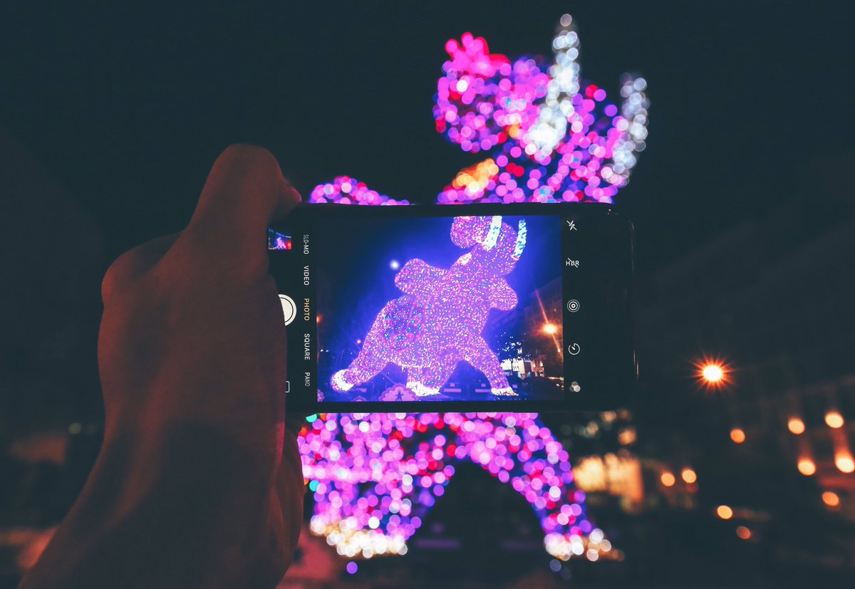You can take wonderful photos at Little India.