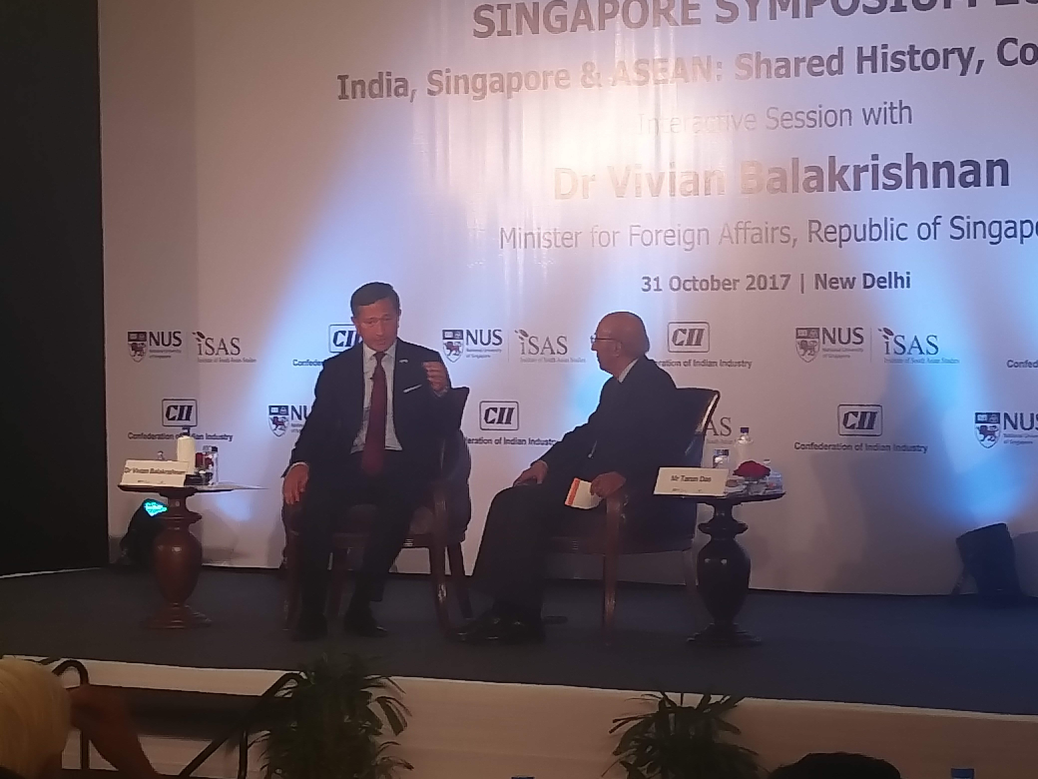 Singapore's Minister for Foreign Affairs Dr Vivian Balakrishnan (left) during an interactive sessison moderated by former CII chairman Tarun Das. Photo: Connected to India