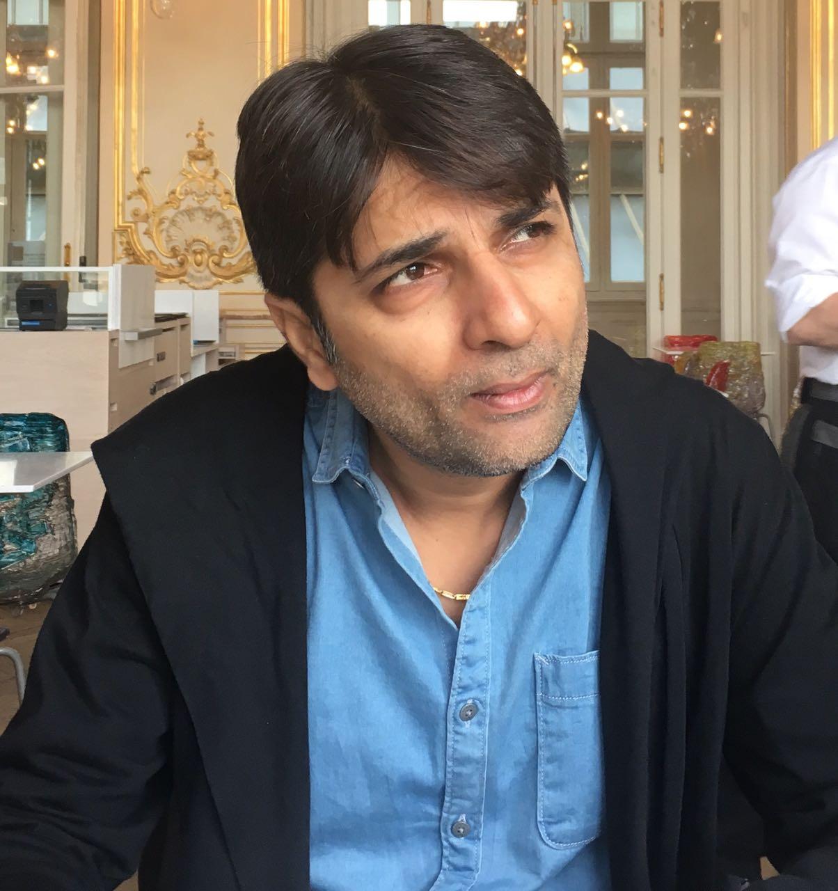 Director Vishal Mishra bags the 'Best New Age Film Director' Award at 10th Global Film Festival