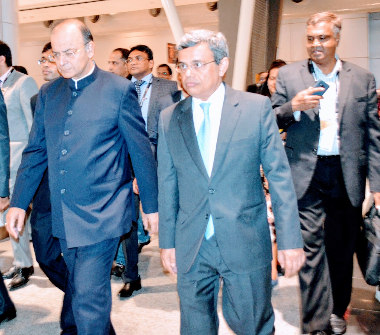 FM Jaitley (left) with the High Commissioner of India, Singapore, Jawed Ashraf.