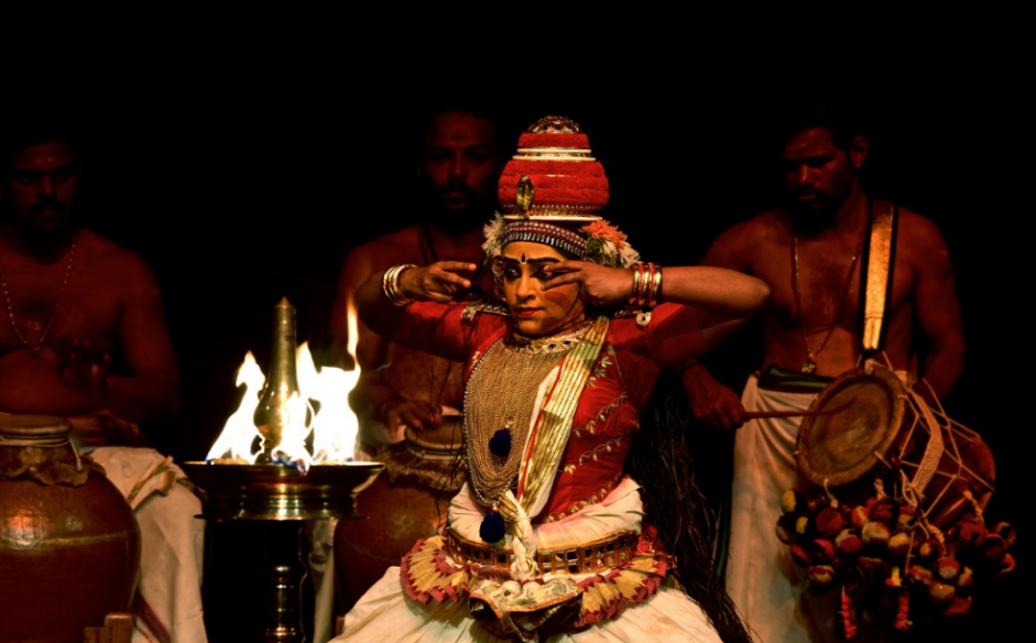 """Kapila Venu presented two stories at Kalaa Utsavam. """"Both these pieces were choreographed in collaboration with my father G Venu, a renowned Kutiyattam exponent and actor-trainer. These are two of my favorite pieces from my repertoire."""""""