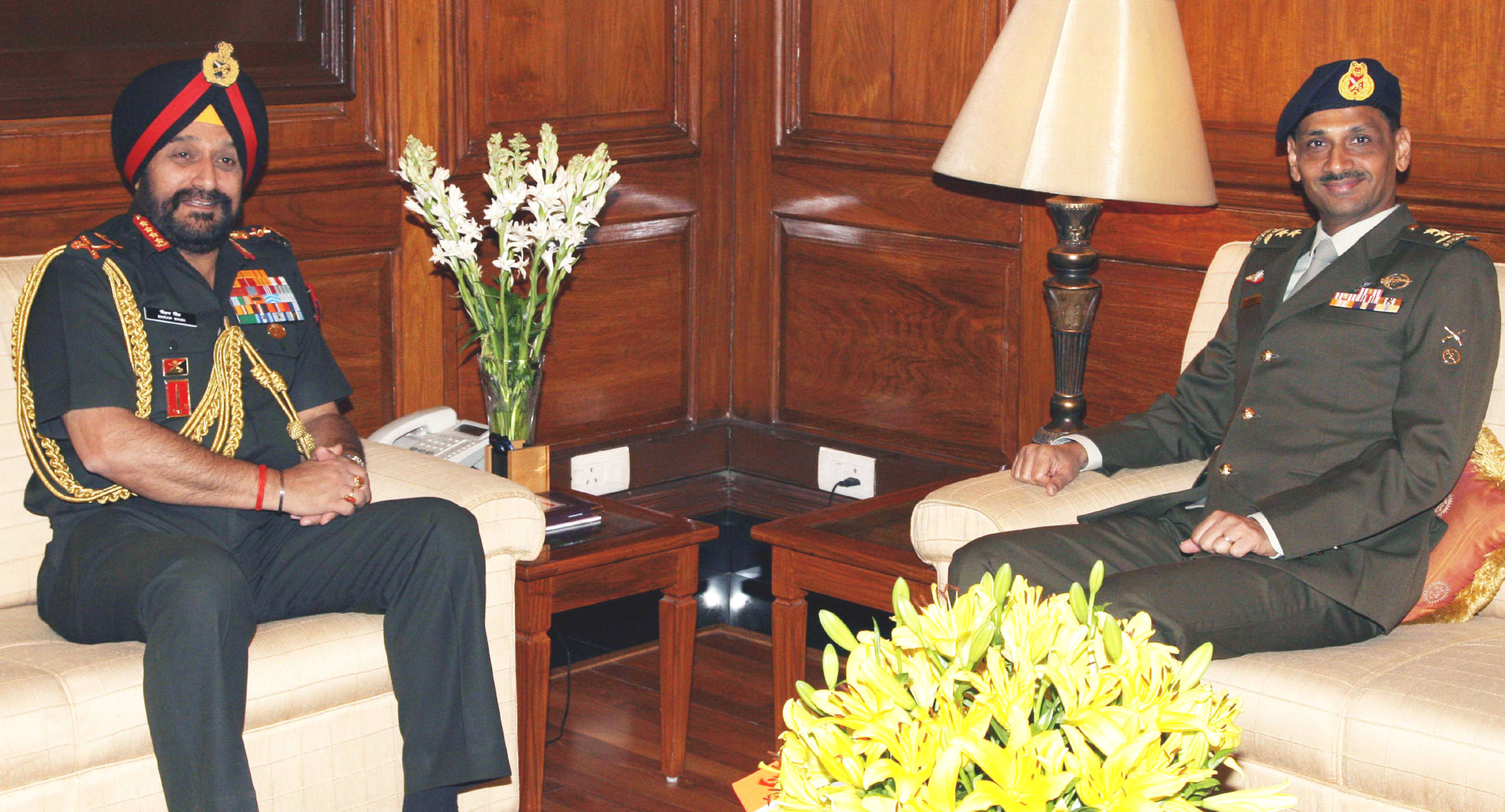 The Chief of the Singapore Army, Maj. Ravinder Singh meeting the Chief of Army Staff, General Bikram Singh, in New Delhi on March 19, 2013. The bilateral agreement between armies was renewed in later June.
