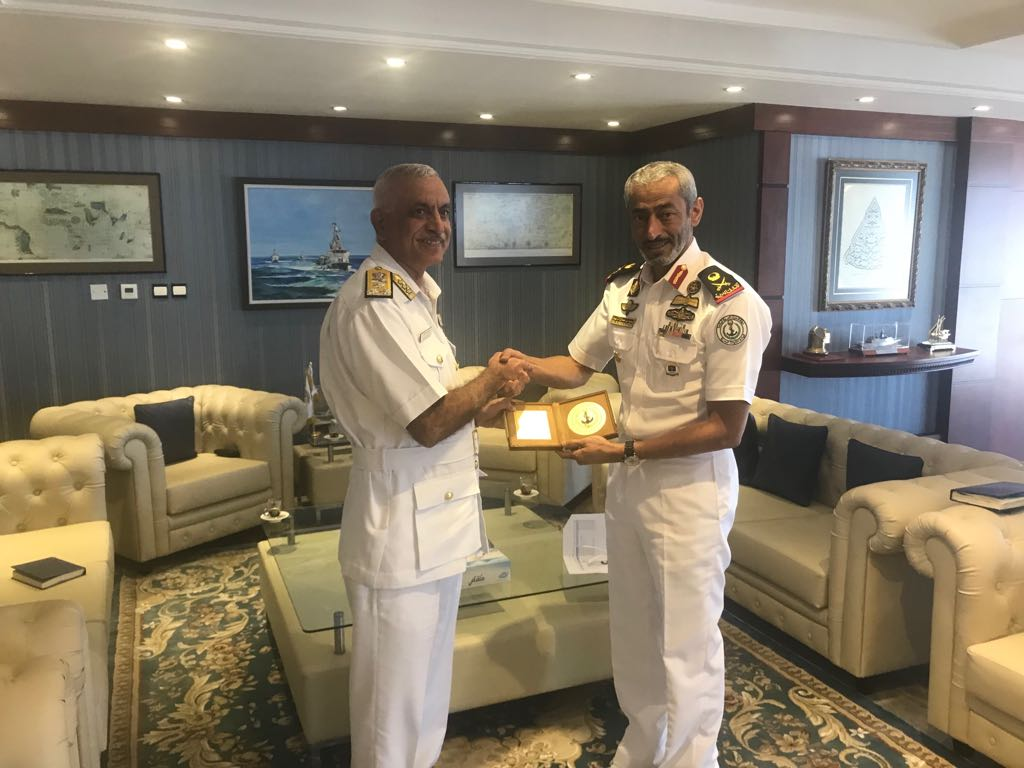Admiral Girish Luthra FOC-in-C(W) called on Commander of of UAE Naval Forces Maj Gen Saeed bin Hamdan bin Mohammed Al Nahyan (Photo courtsey: Indian Ministry of Defence)