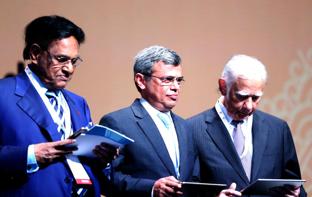 HE Jawed Ashraf, High Commissioner of India, Singapore (middle) and Gopinath Pillai, Ambassador-at-large and Chairman of Institute of South Asian Studies, Singapore (extreme right) at the Pravasi Bharatiya Divas.
