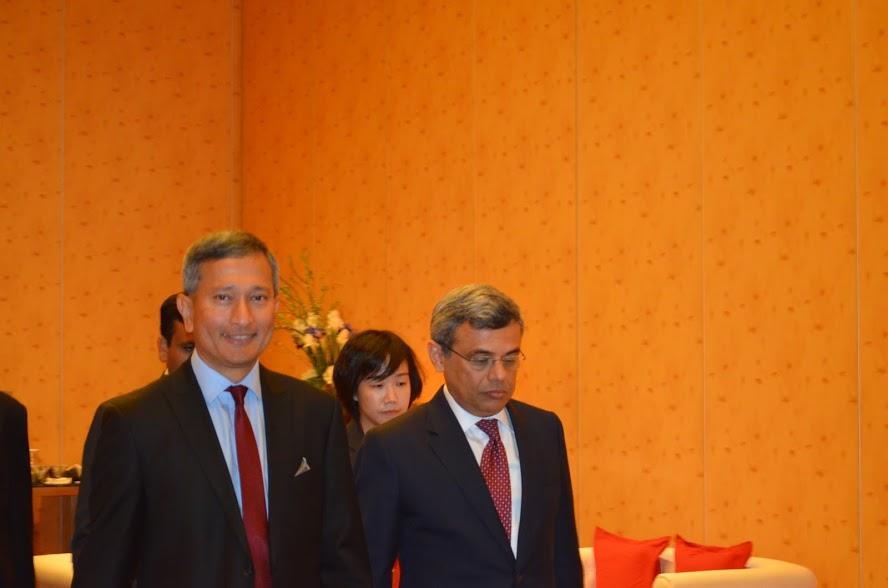 Dr Vivian Balakrishnan with High Commissioner of India to Singapore Jawed Ashraf.