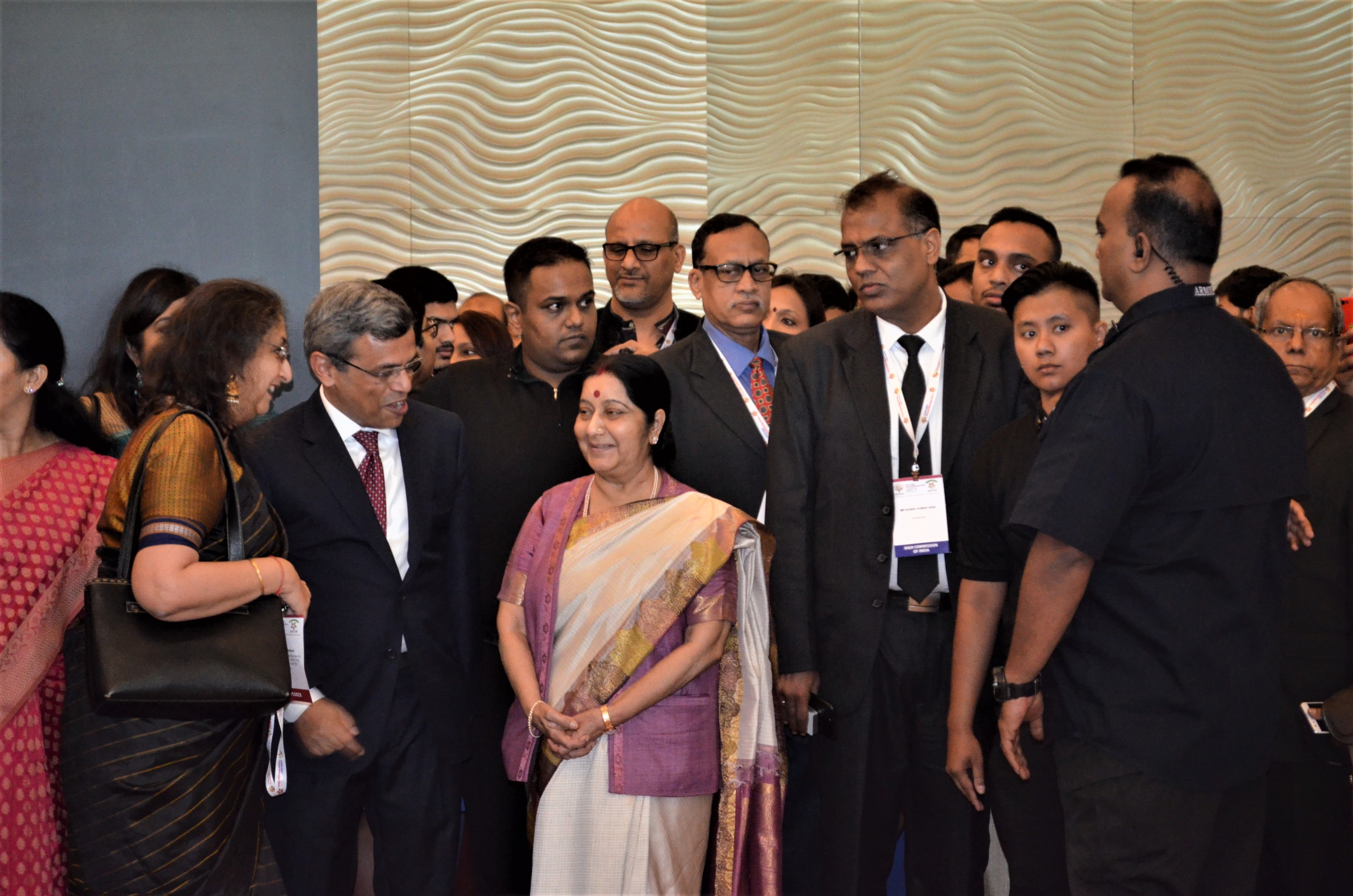 Sushma Swaraj and Jawed Ashraf while visiting the Art Exhibition at ASEAN India PBD.