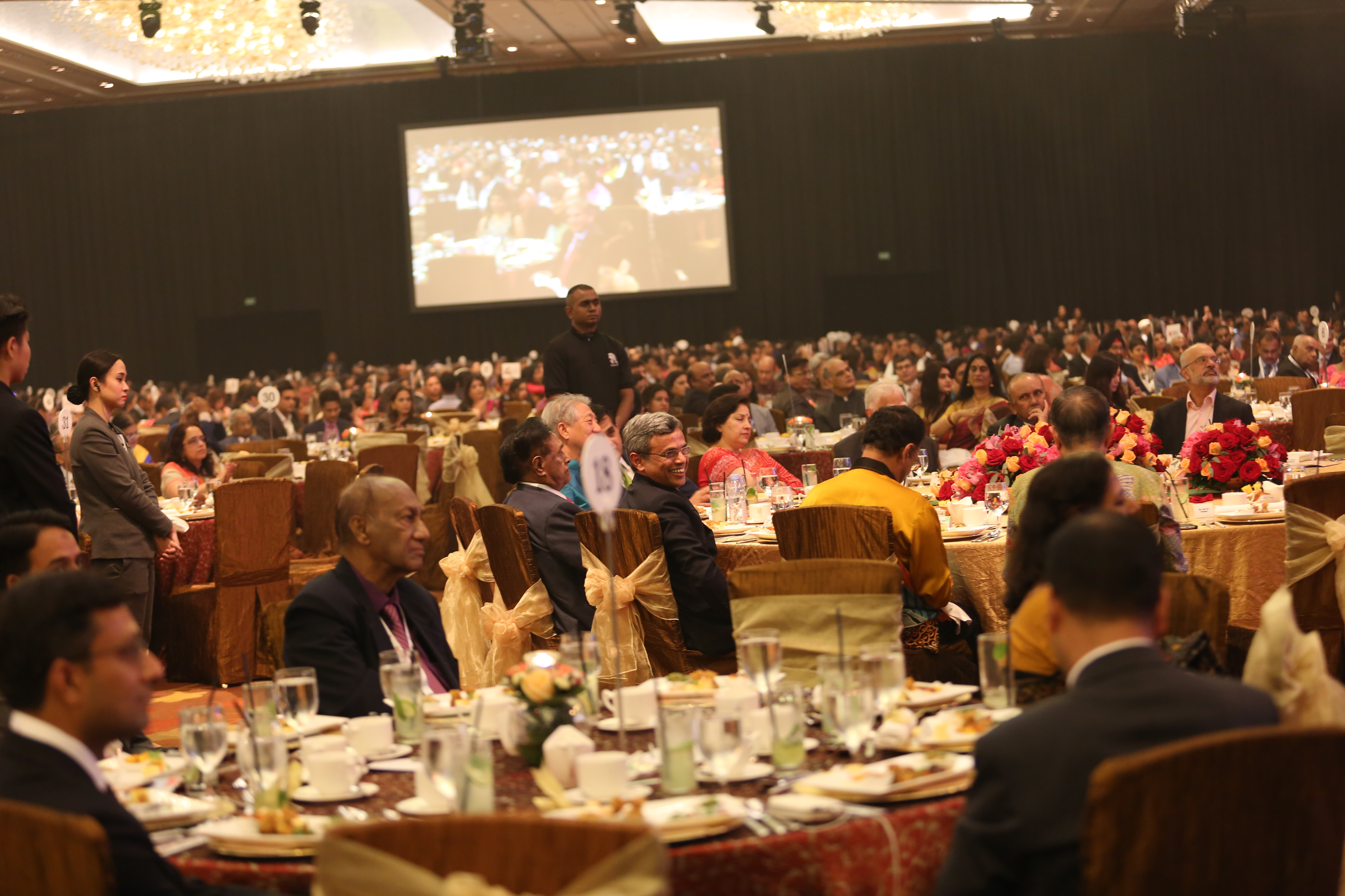Over 3,000 people were present at the Marina Bay Sands Grand Ballroom for the EAM's speech and the gala dinner