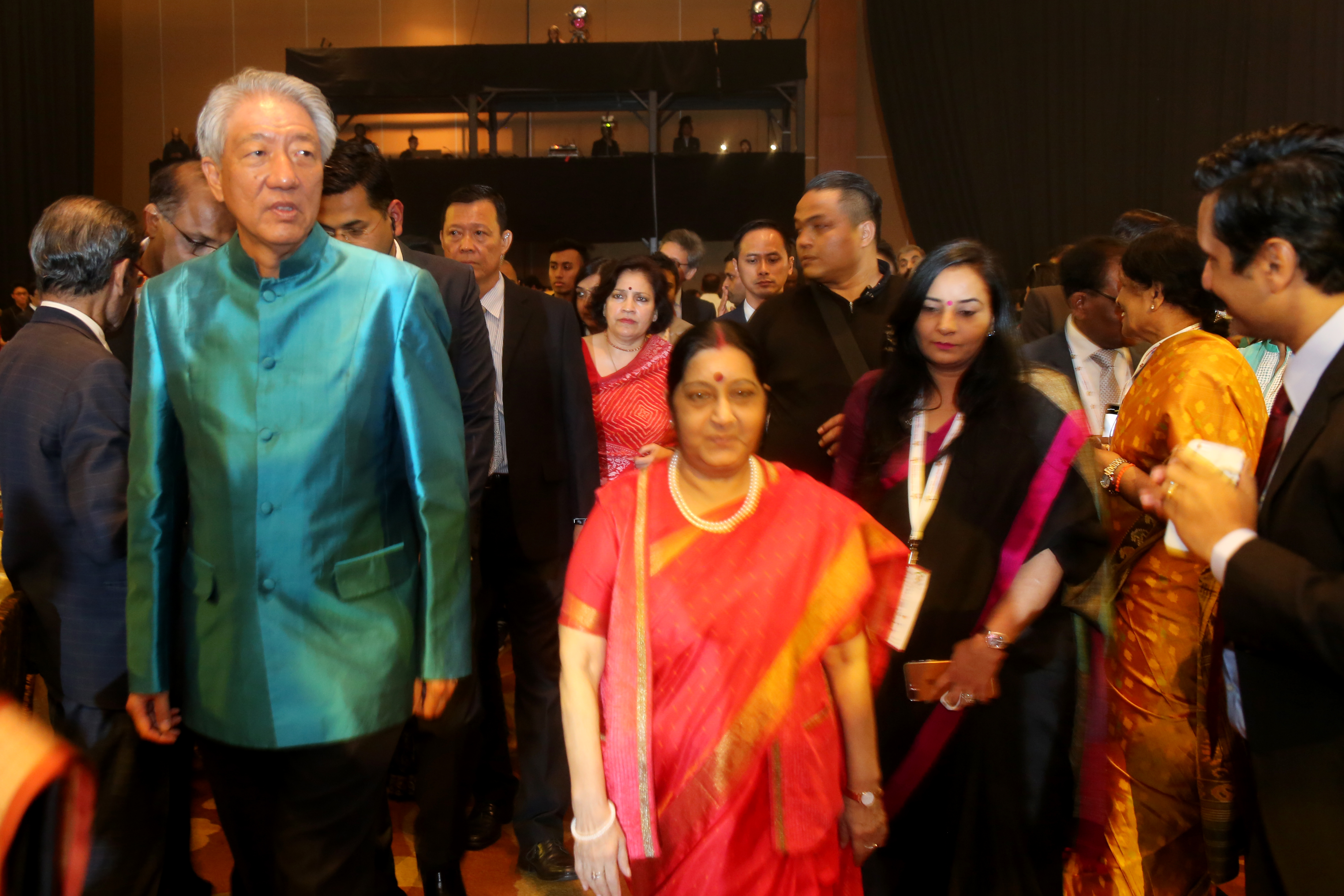Singapore Deputy PM Teo Chee Hean (left) with EAM Sushma Swaraj at the gala dinner.