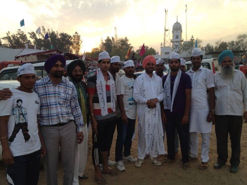Bhagwant Mann (centre), AAP MP, with his supporters in Punjab.