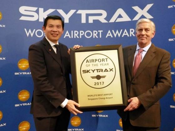 Mr Lee Seow Hiang, CEO of Changi Airport Group (left) with Edward Plaisted, CEO of Skytrax (right). Photo courtesy: Changi Airport Group