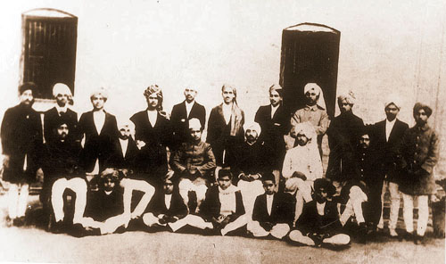 Bhagat Singh, standing fourth from the right in a photograph of the staff and students of the National College, Lahore, founded in 1921 by Lala Lajpat Rai.