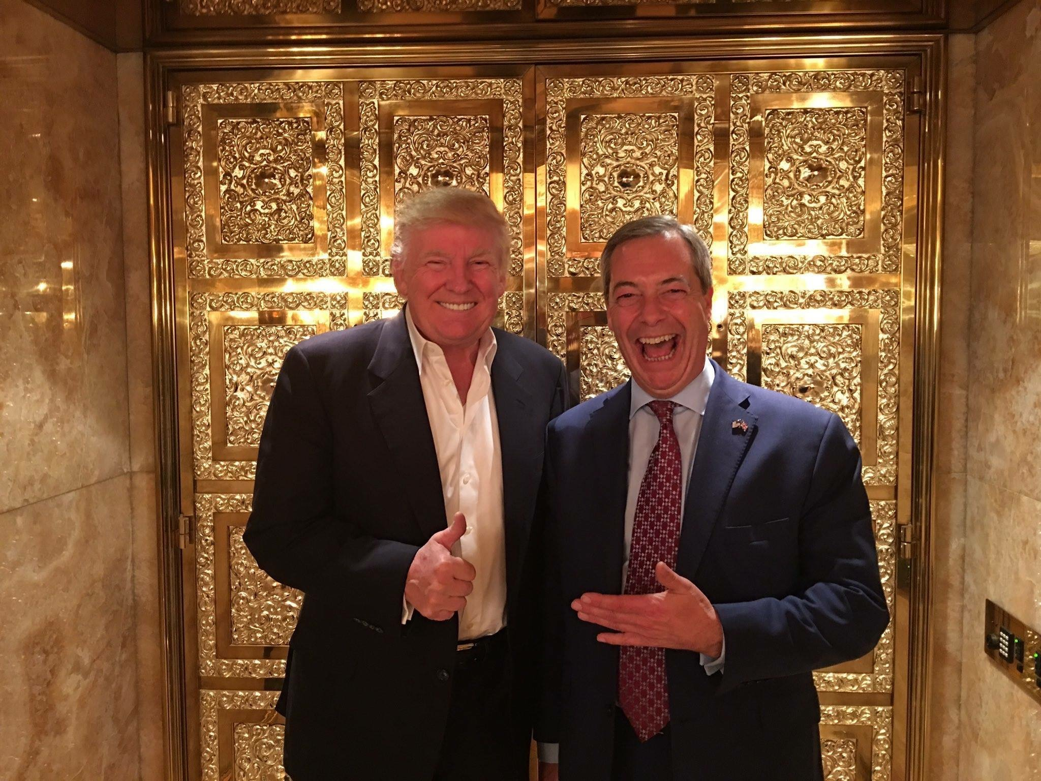 Best buds US President Trump (l) and UKIP Leader Nigel Farage are ready to become roomies.