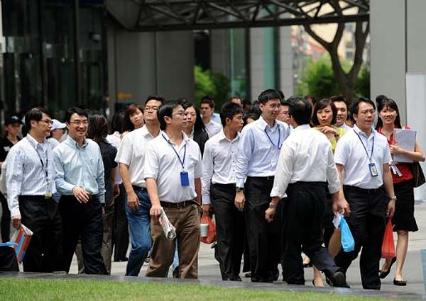 Two foreign firms along with Singapore Workforce will help unemployed professionals to get jobs in Singapore.
