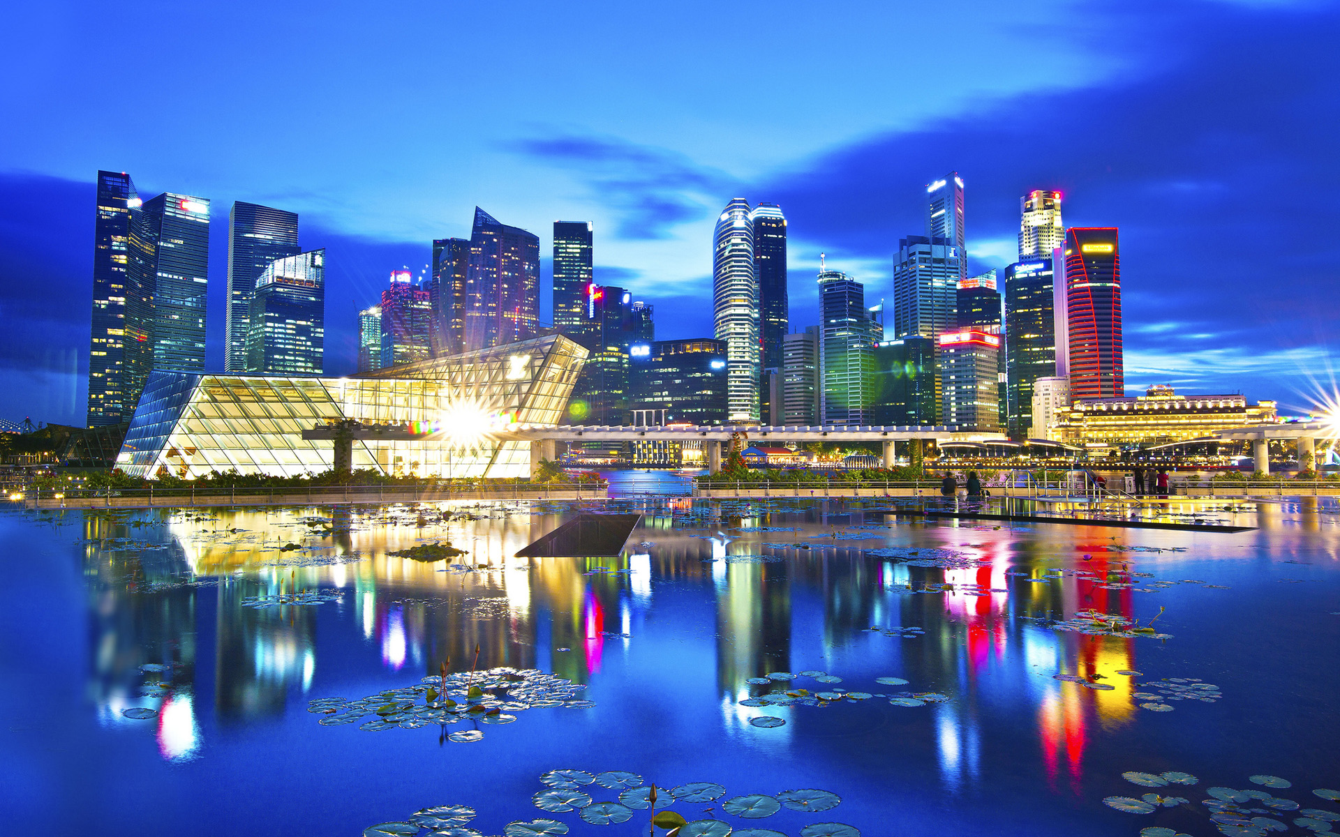 Singapore has become the best city to live for Asian expatriates.