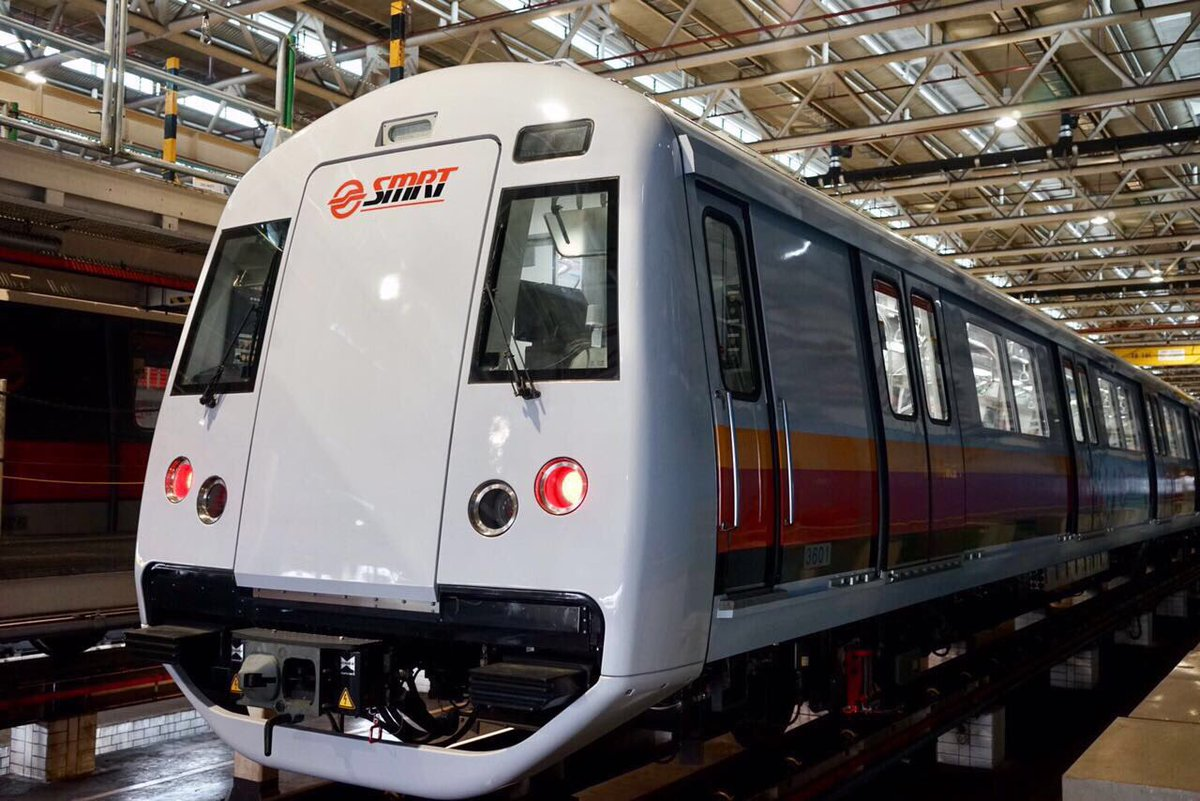 Metro trains on  North-South Line (NSL) and East-West Line (EWL) were delayed on Tuesday.