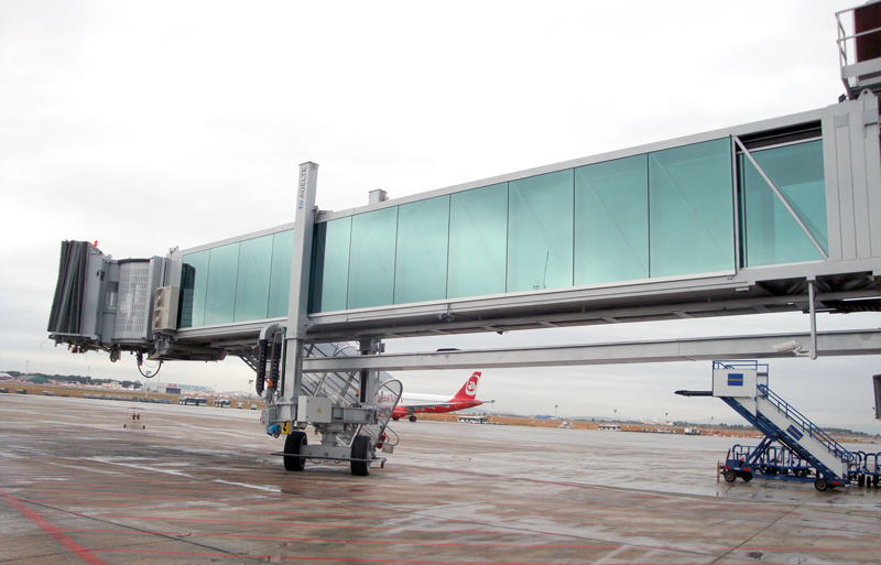 ST Engineering will develop automated plane boarding bridges in Singapore.