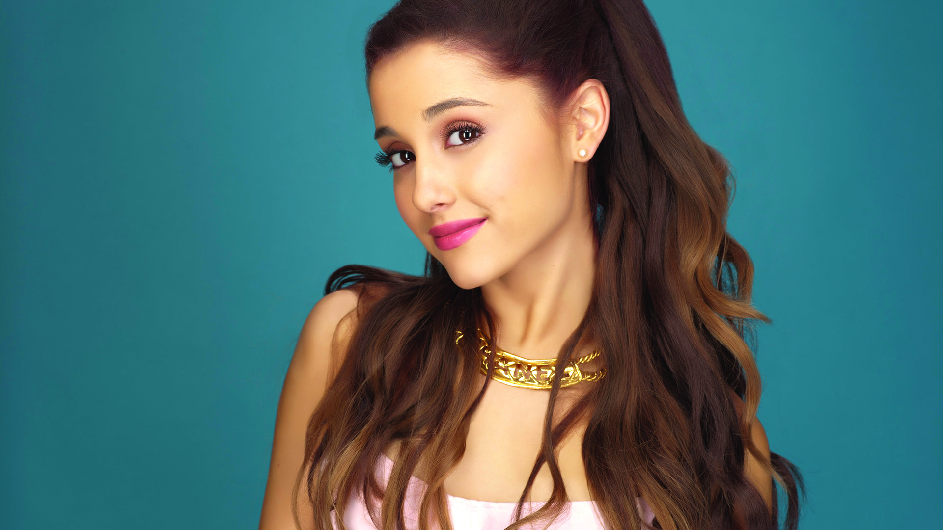 merican pop singer Ariana Grande will perform at the Singapore F1 Grand Prix.