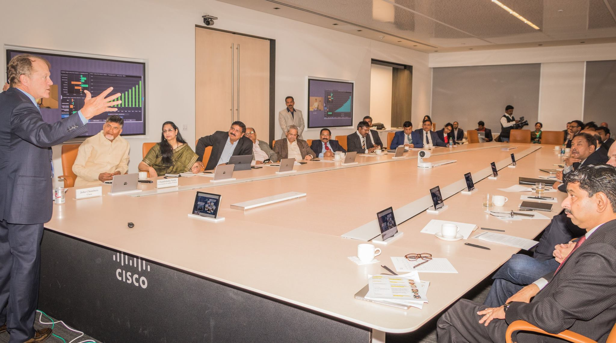 Cisco System chairman John Chambers gives presentation to Andhra Pradesh chief minister N Chandrababu Naidu and Indian IT delegation at Cisco headquarters.