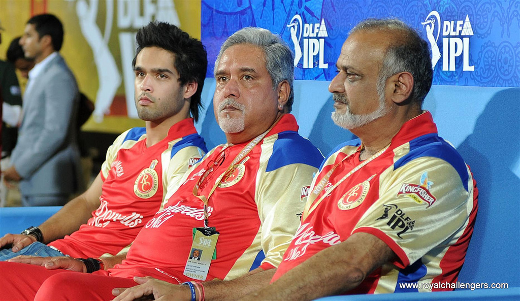 Vijay Mallya (centre) in happier times.