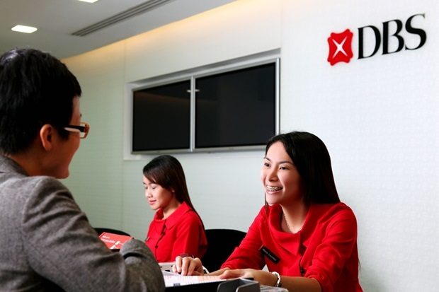 DBS Bank and MSIG Insurance have joined hands to provide Singapore's first 'instant' electronic payment system service for travel insurance claims.