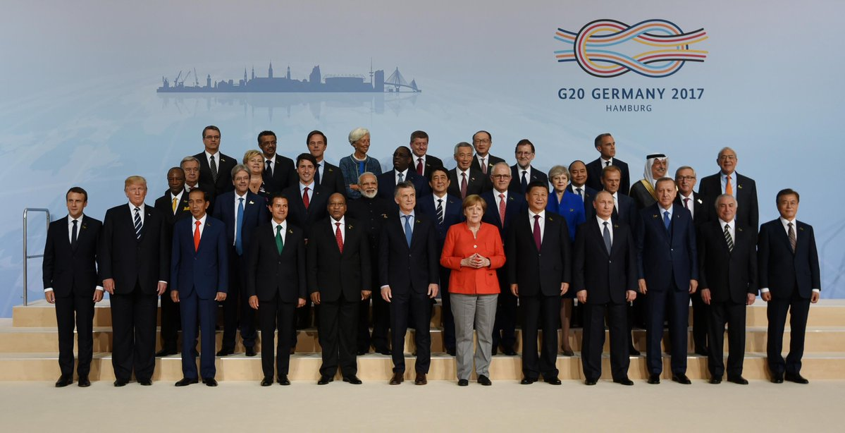 PM Modi with leaders of the G20 nations.