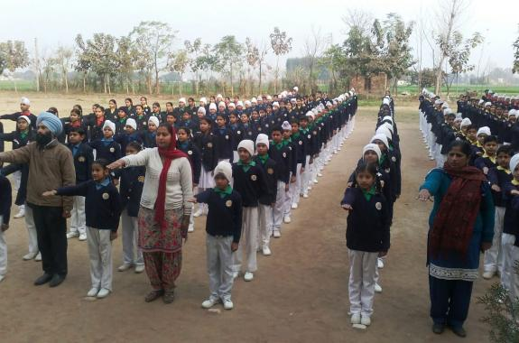 NRI donates 10 lakh to school in Punjab