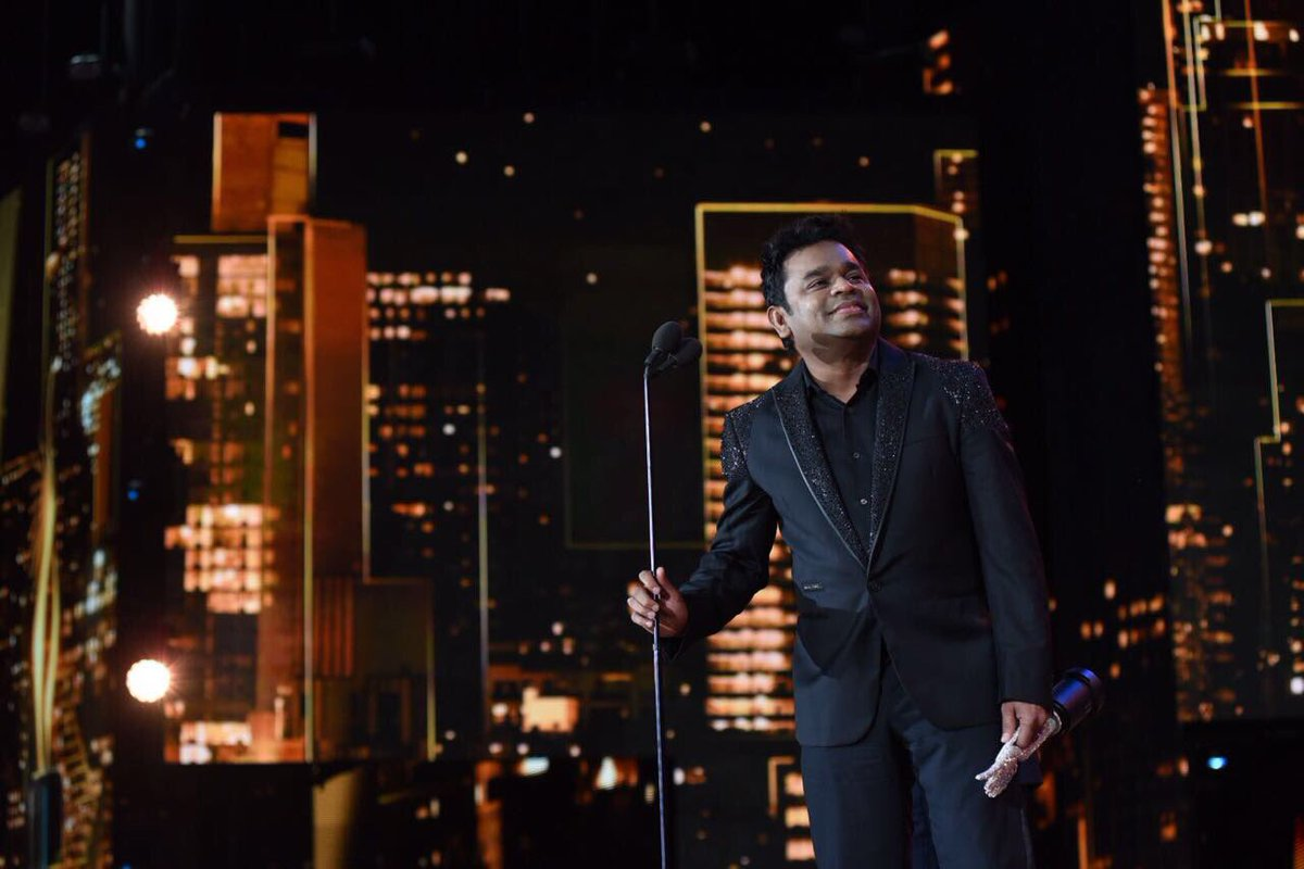 AR Rahman being honoured at the IIFA Awards.