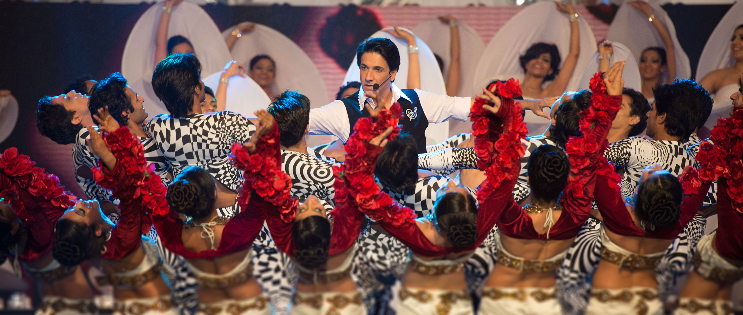 Shiamak Dance troupe will give performance at Singapore Indoor Stadium on August 15.