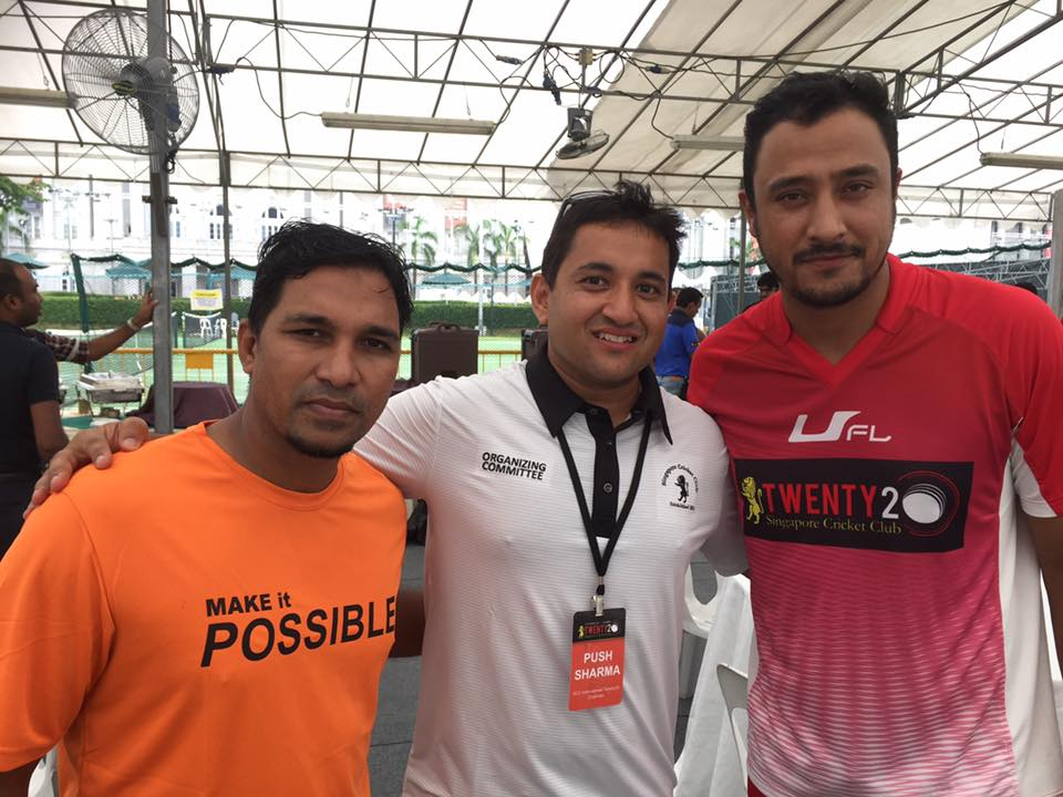 SCC T20 Chairman Pushpendra Sharma (centre) with Nepalese star players Mehboob Alam and Paras Khadka (right).