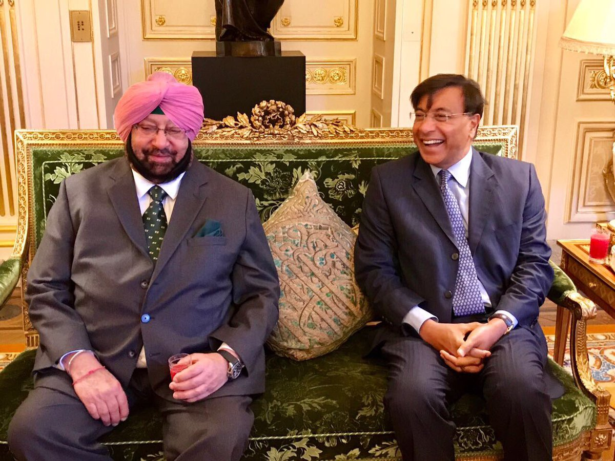 Captain Amarinder Singh (left) with steel tycoon LN Mittal in London. Photo courtesy: Twitter/@capt_amarinder