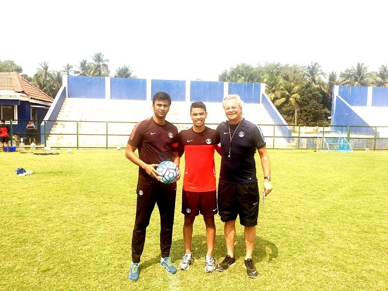 Namit Deshpande (centre) with India U17 coach Luis Norton de Matos (right) and OSP head Abhishek Yadav.