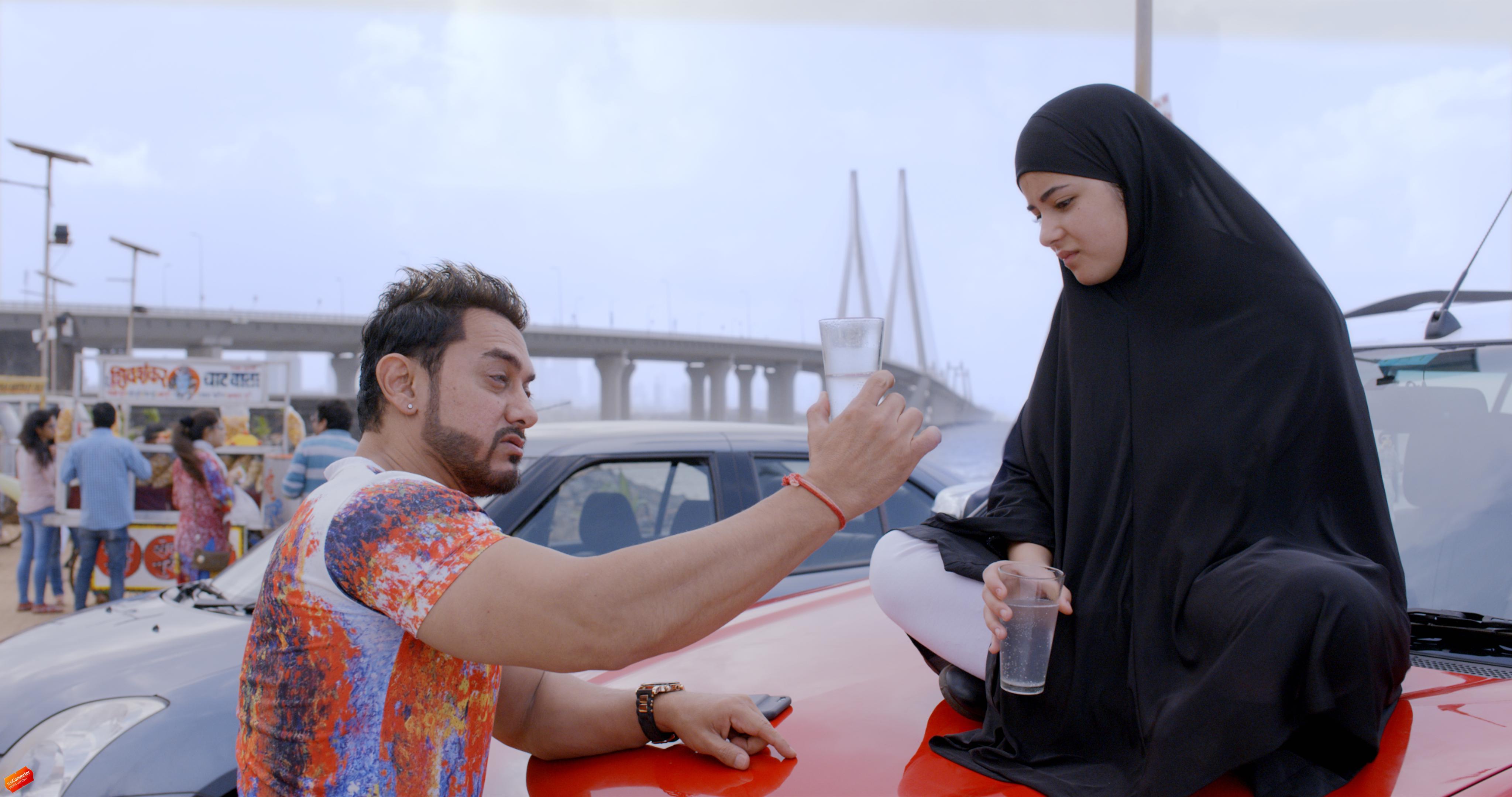 Zaira Wasim and Aamir Khan in Secret Superstar.