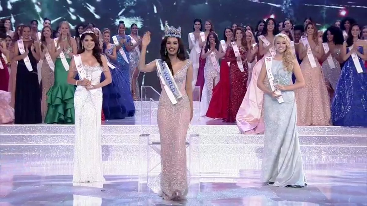 Miss World 2017 Manushi Chhillar celebrates as the other contestants and outgoing Miss World Stephanie Del Valle look on.