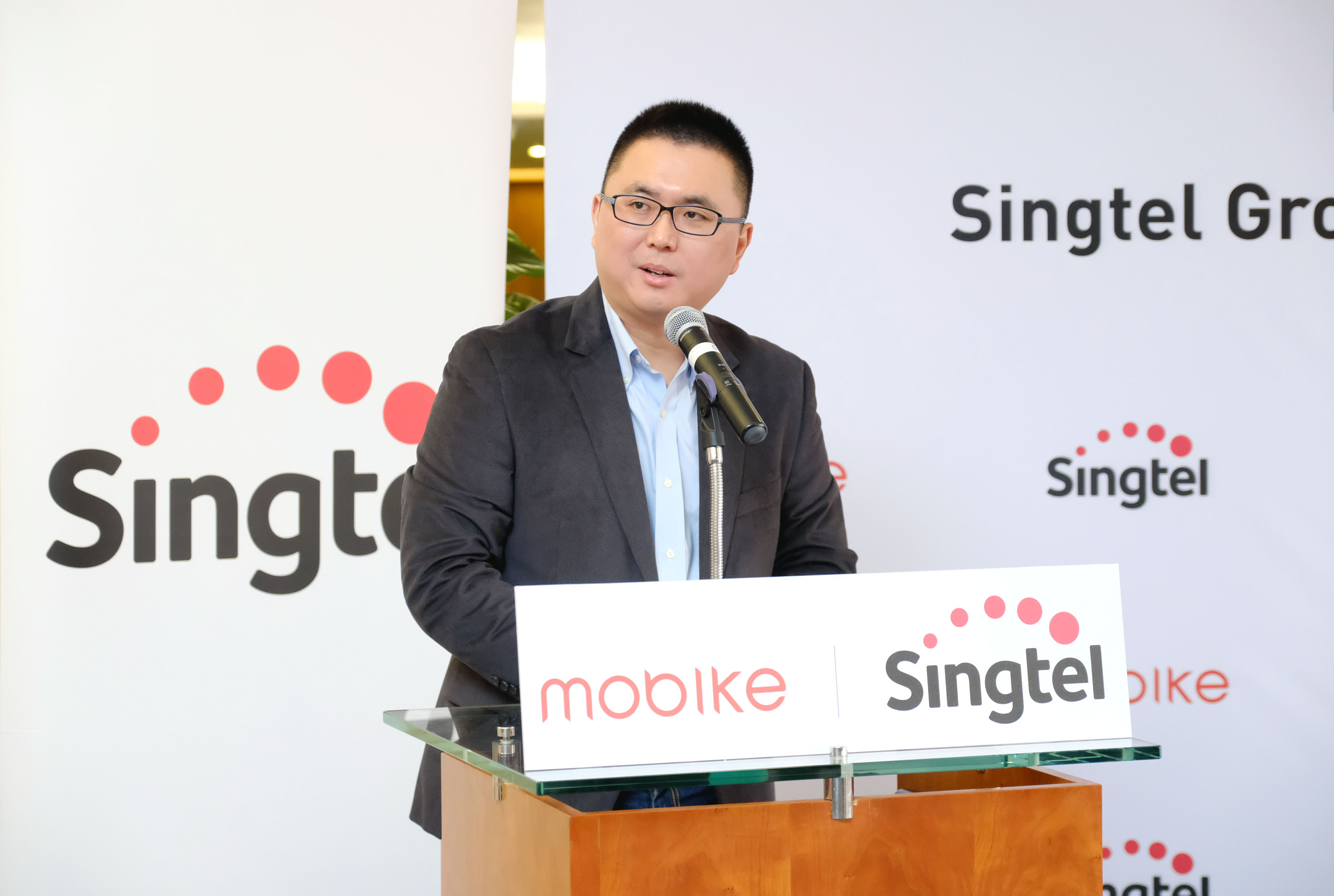 Joe Xia, Co-Founder and CTO of Mobike, said Singtel Group and Mobike plan to explore the use of data analytics to improve the distribution of Mobike's fleet. Photo courtesy: Singtel Group