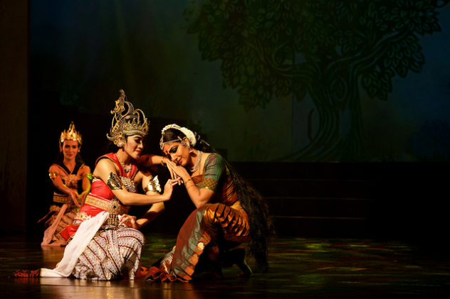 Trijata, daughter of Vibhishana, trying to console Sita about the well being of Lord Ram as both went to the battlefield to see the fight between the forces of Ravana and Lord Ram.