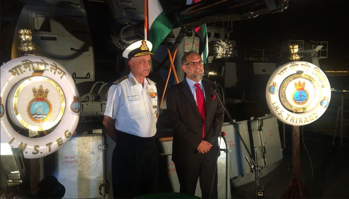 Ambassador Navdeep Suri and Vice  Admiral Girish Luthra address officers of UAE Navy, leaders of Indian community, defence advisers, dignitaries and media onboard INS Teg and INS Trikand in Abu Dhabi (Photo courtsey: Indian Embassy in UAE)